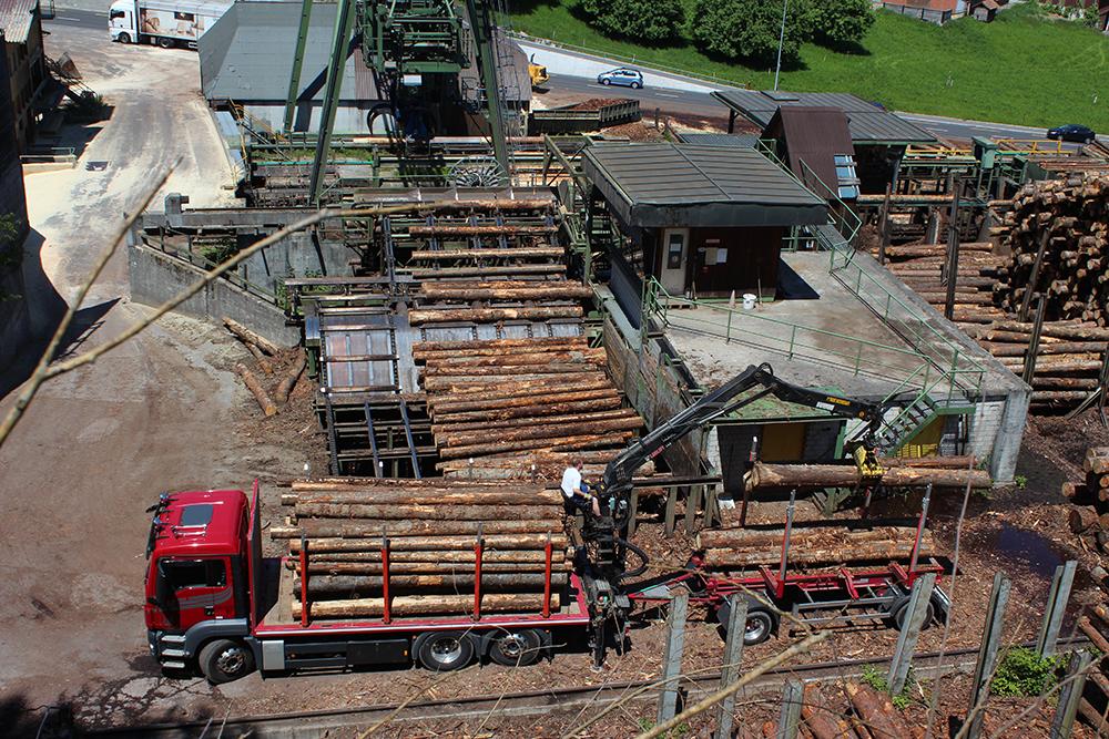 Rundholzablad bei Schilliger Holz AG in Haltikon.